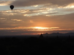 Dawn in Bagan with Balloons 1