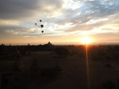 Dawn in Bagan with Balloons 2