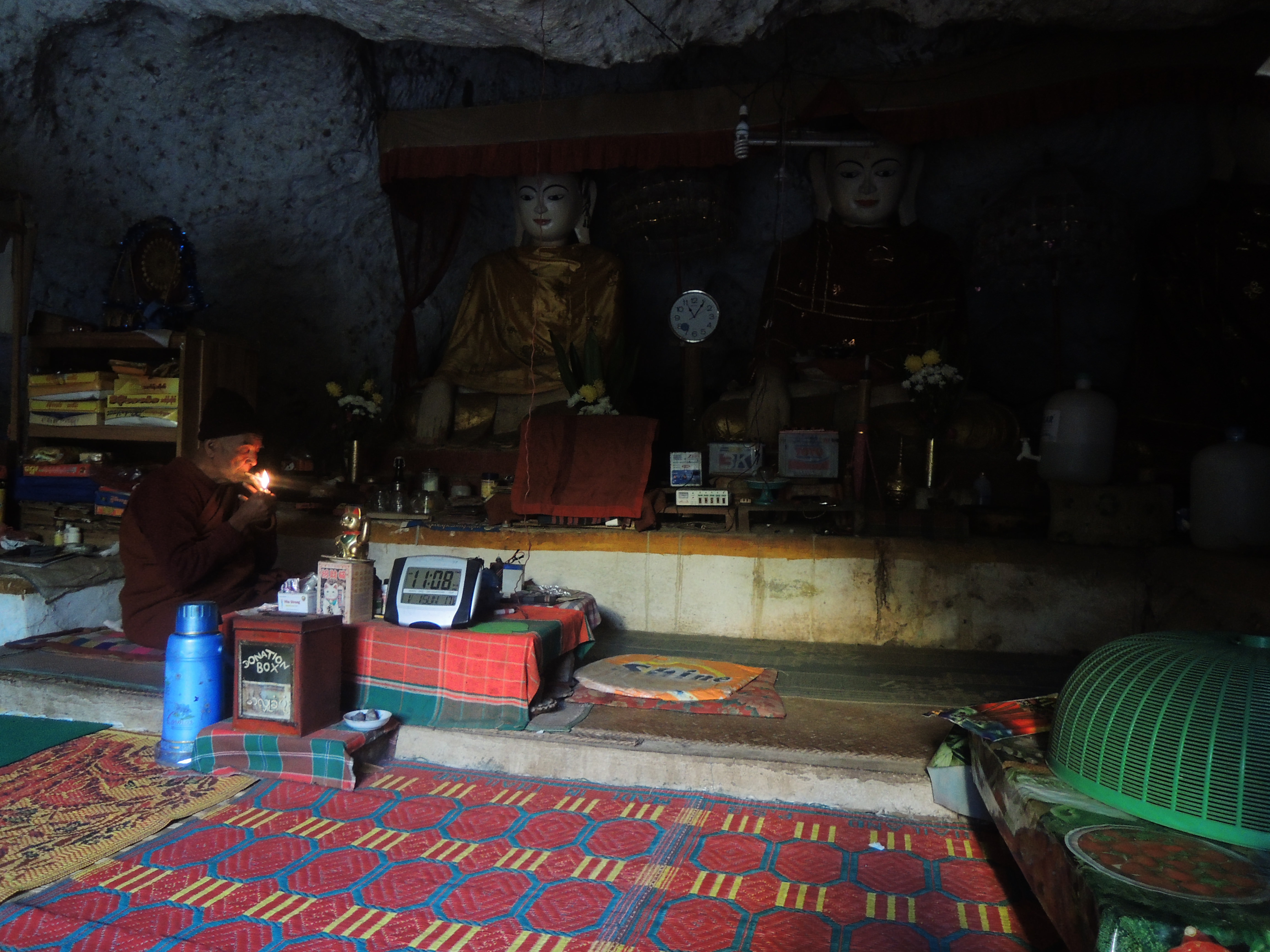 Monks and Caves – Exploring Inle Lake area (Myanmar 9/10)
